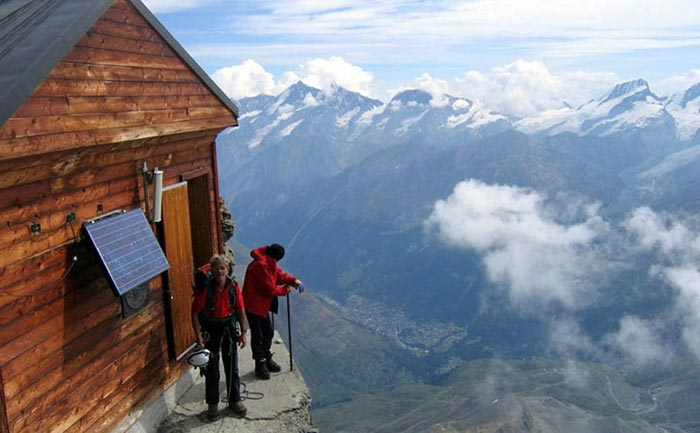 hut-in-the-mountains-2