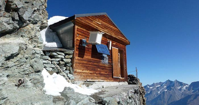 hut-in-the-mountains-3