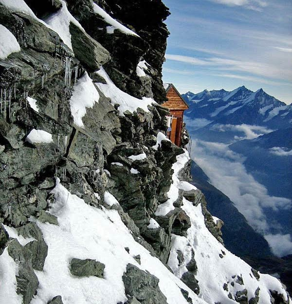 hut-in-the-mountains-4