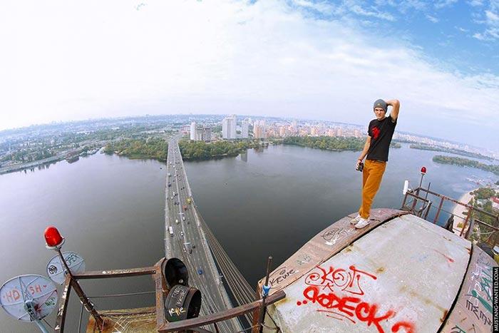 hanging-russian-selfie-1
