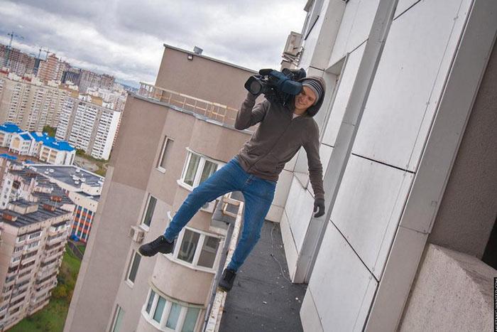 hanging-russian-selfie-3